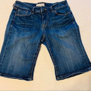 Banana Republic Shorts - Banana republic Bermuda shorts size 28/6